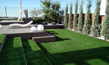 Dise o de jard n en las lomas jardiner a en madrid for Diseno de jardines en parcelas